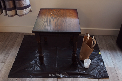 Un painted Table